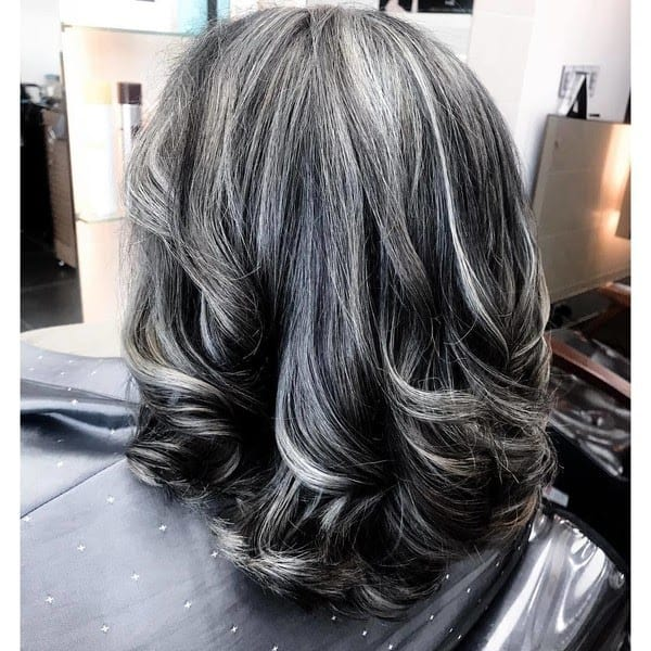balayage-cheveux-gris-technique-coloration