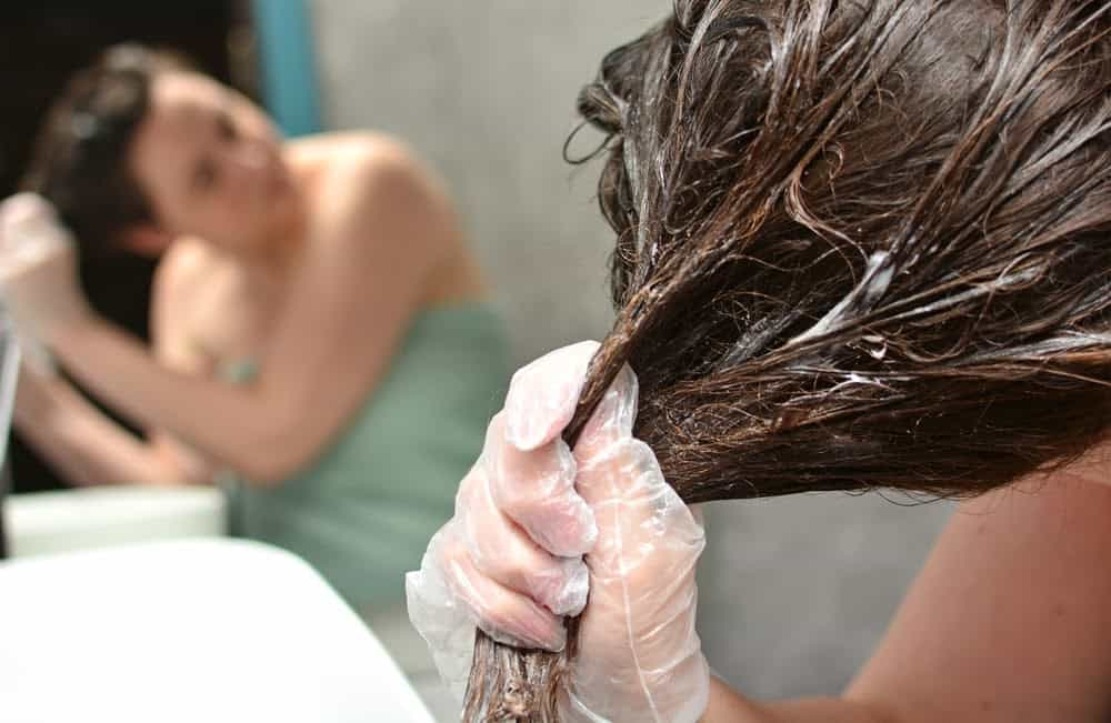 enlever-henne-cheveux-coloration-naturelle
