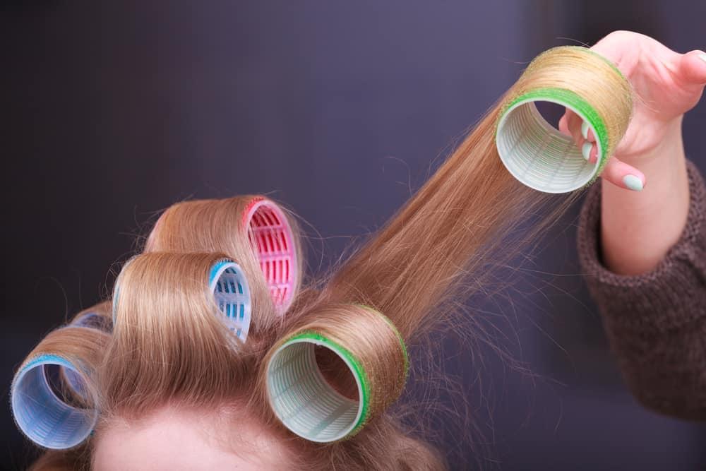 lissage-cheveux-sans-chaleur-bigoudis-techniques