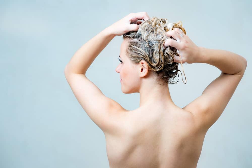 lissage-proteine-soie-traitement-cheveux