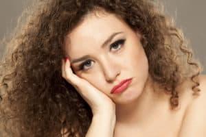 cheveux-mousseux-remedes-solutions-naturelles