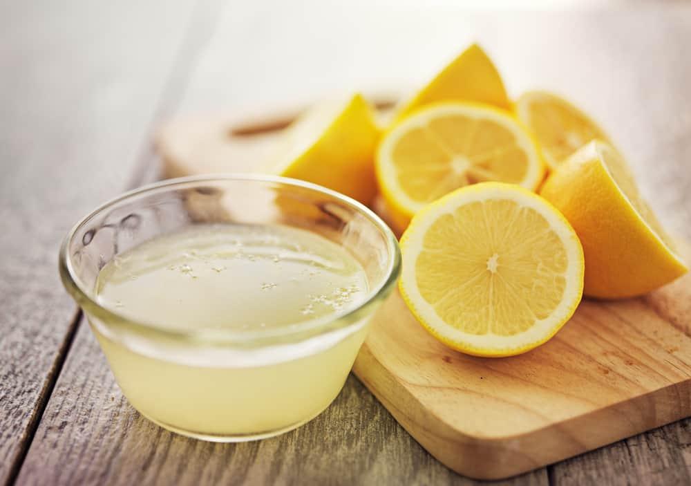 grains-milium-remedes-naturels-contre-microkystes-jus-citron
