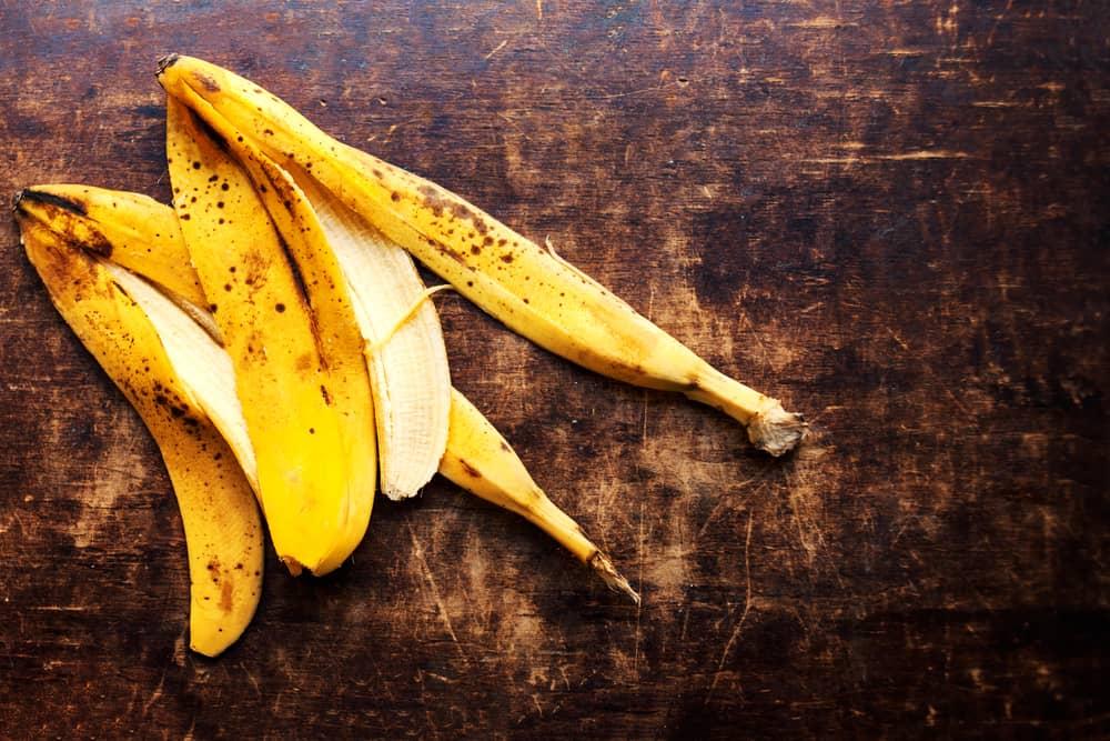 peau-banane-bienfaits-visage-masque-facile-maison