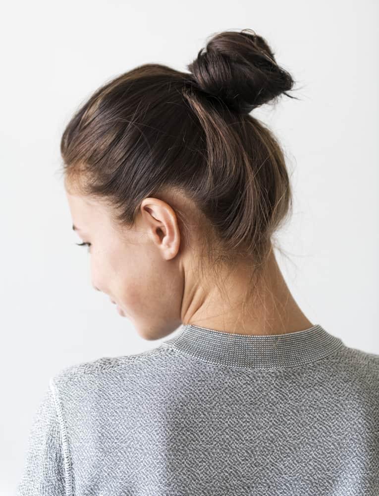 stopper-frisottis-soins-cheveux-chignons-coiffure