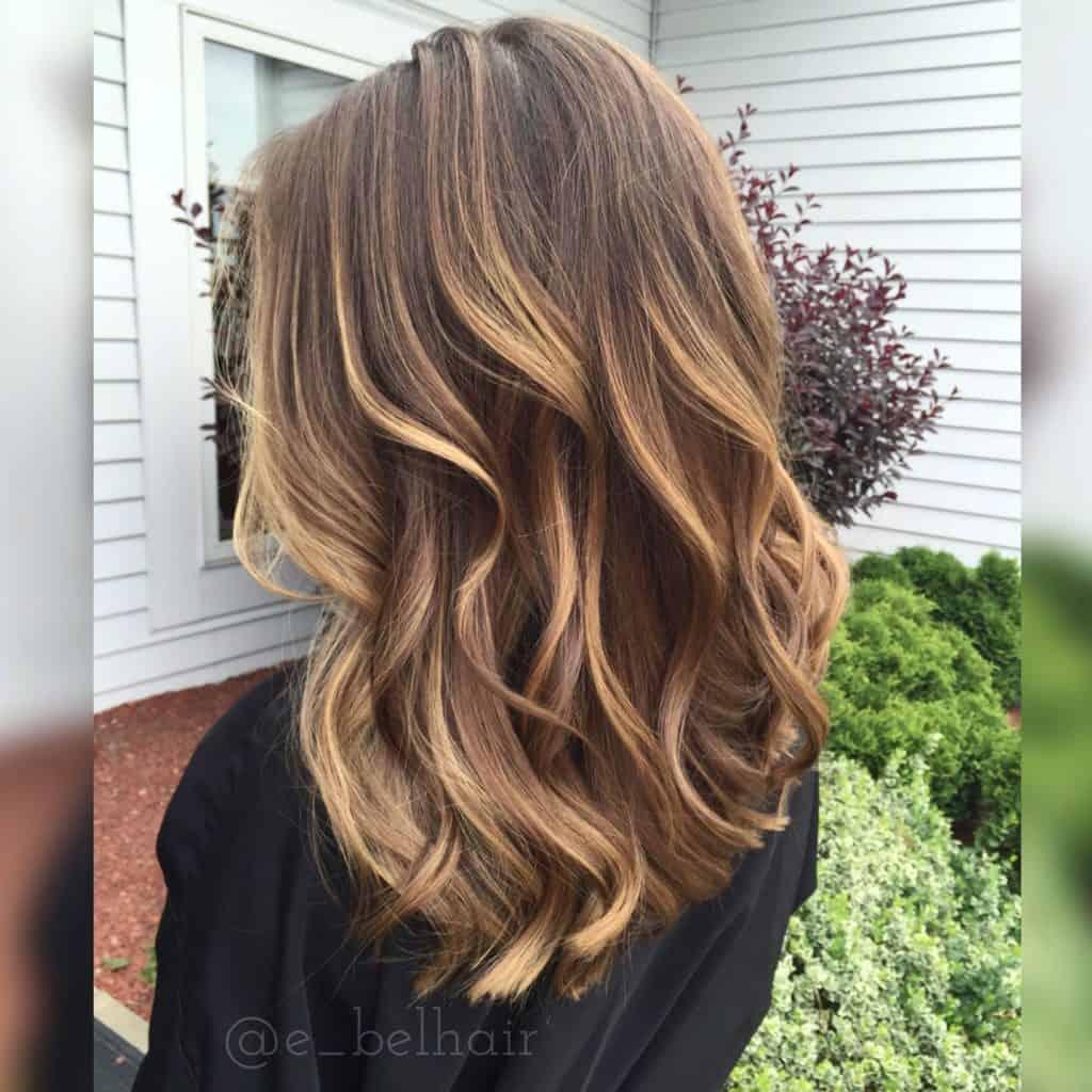 balayage-blond-miel-coloration-cheveux