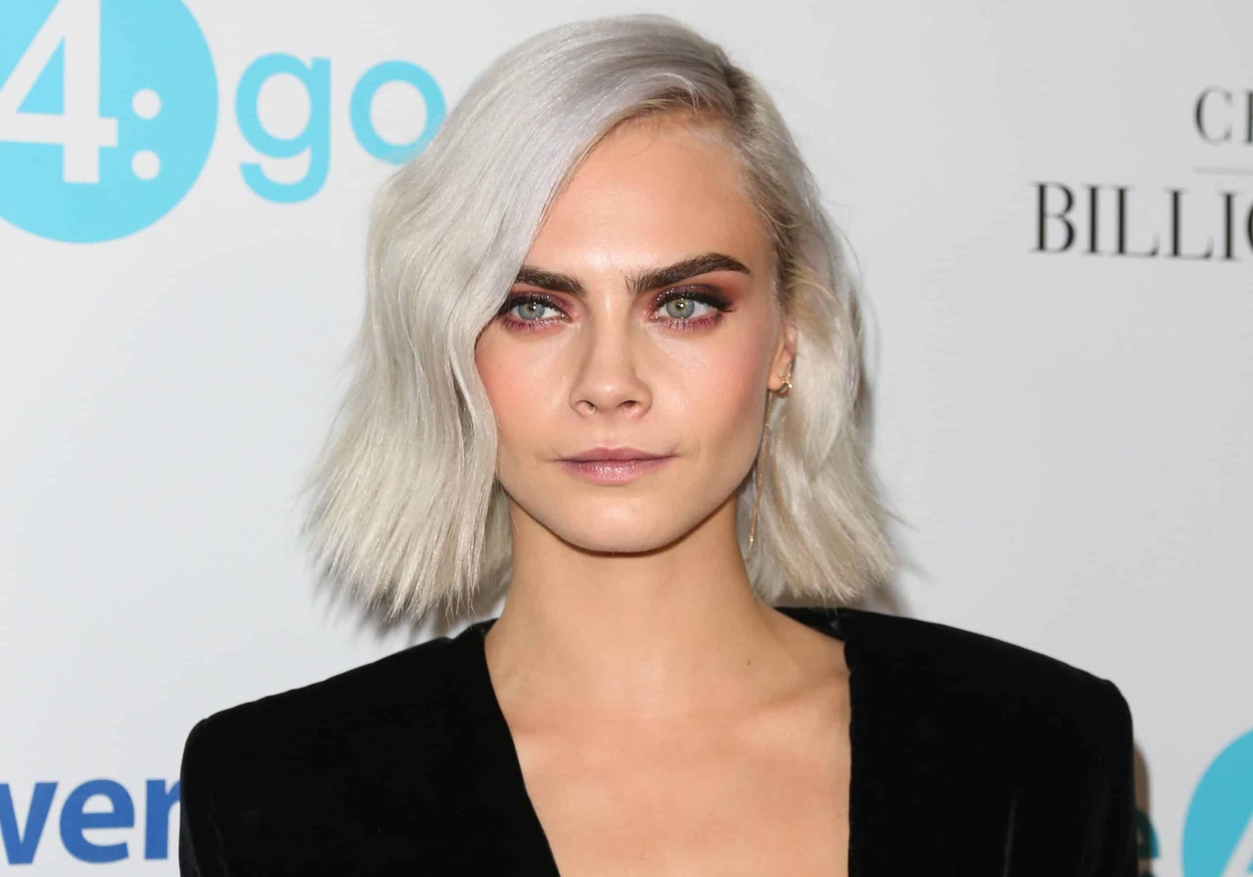 blond-polaire-coloration-capillaire-entretien-cara-delevingne
