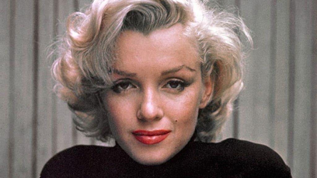blonde-platine-cheveux-marilyn-monroe