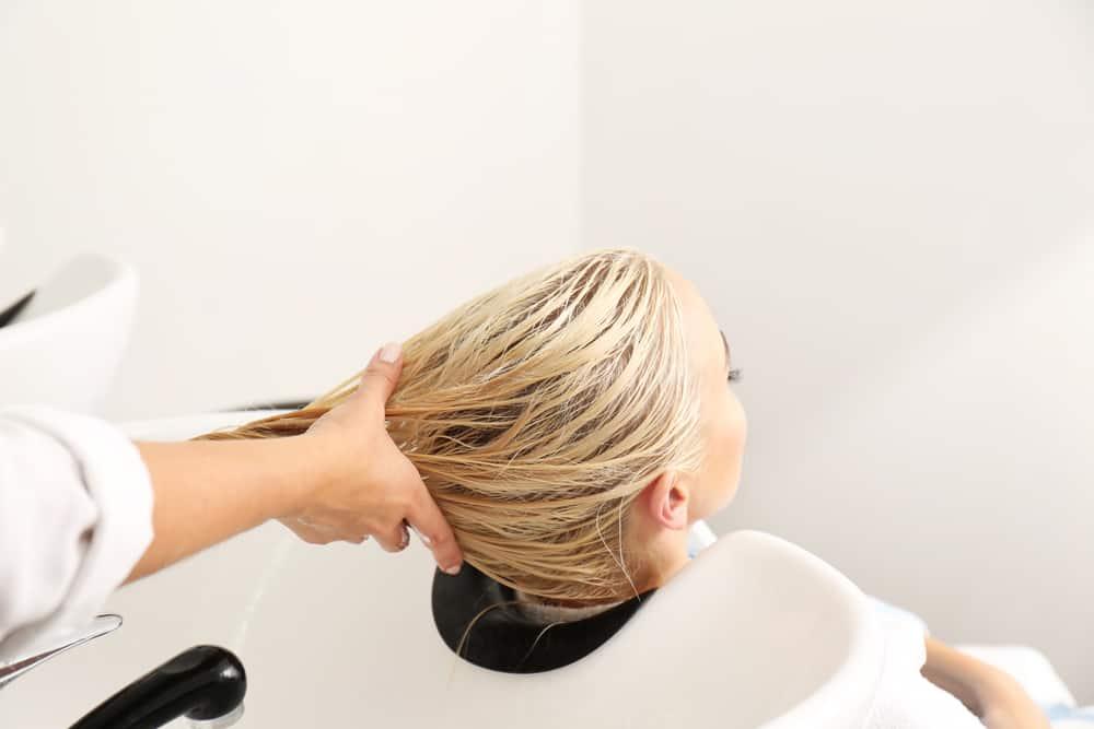 cheveux-blond-foncé-choisir-nuance-entretien