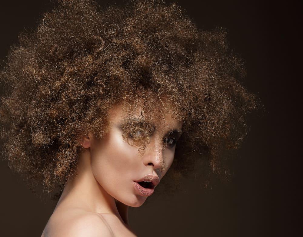 cheveux-crepus-soin-hydratant-naturel-recettes