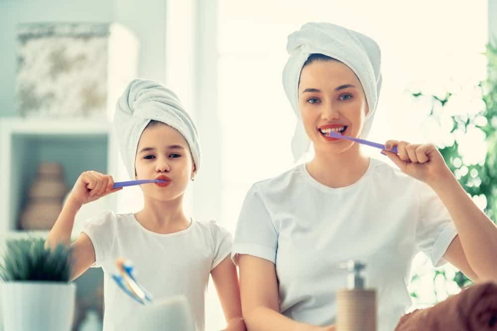 dentifrice-poudre-charbon-recette-maison-bio-naturel-maman
