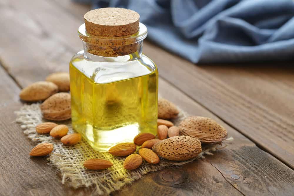 huile-amande-douce-cheveux-remedes-recettes-naturels