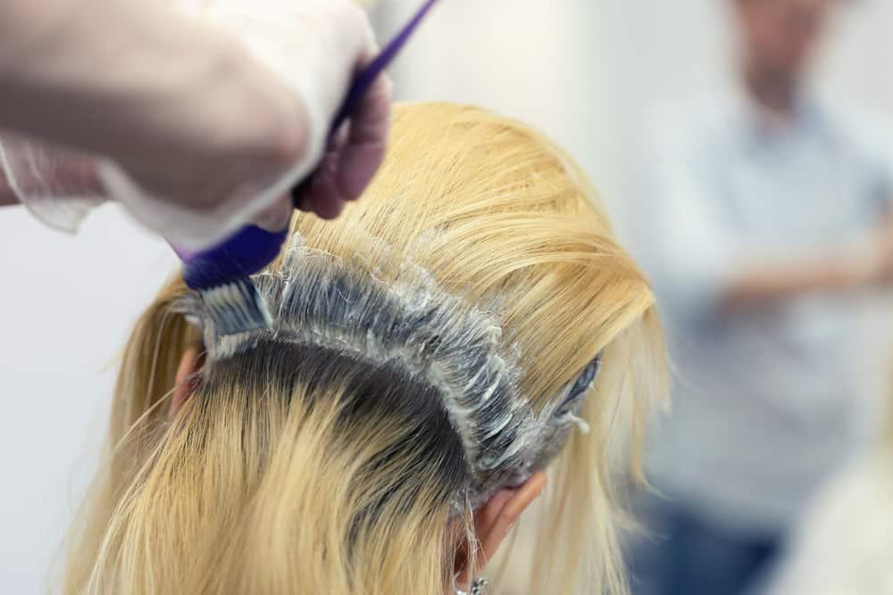 astuces-eclaircir-cheveux-decoloration-capillaire-entretien