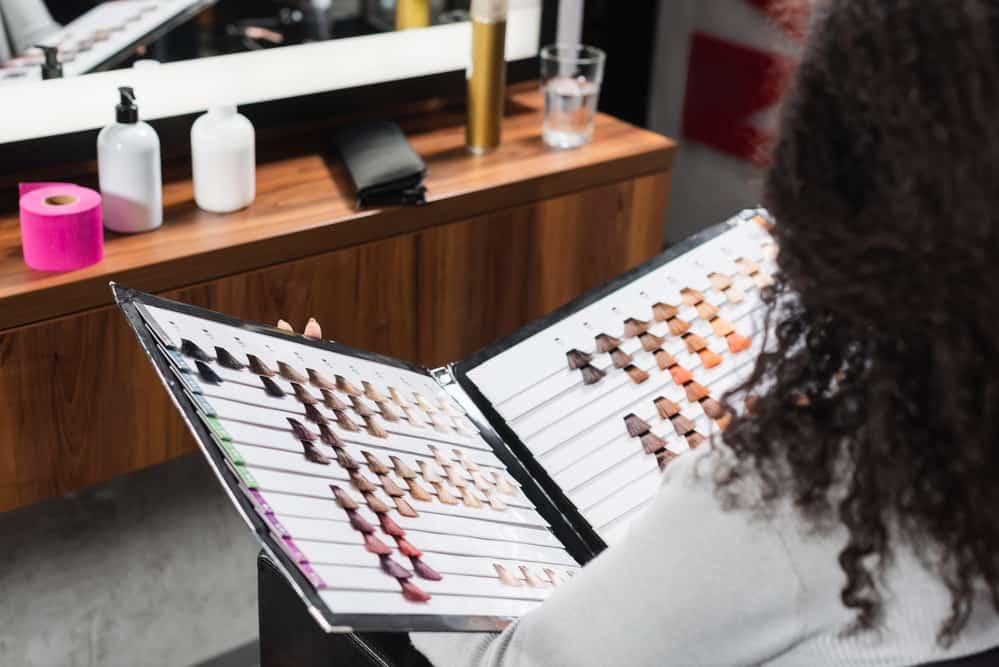 balayage-caramel-coloration-cheveux-couleurs-application
