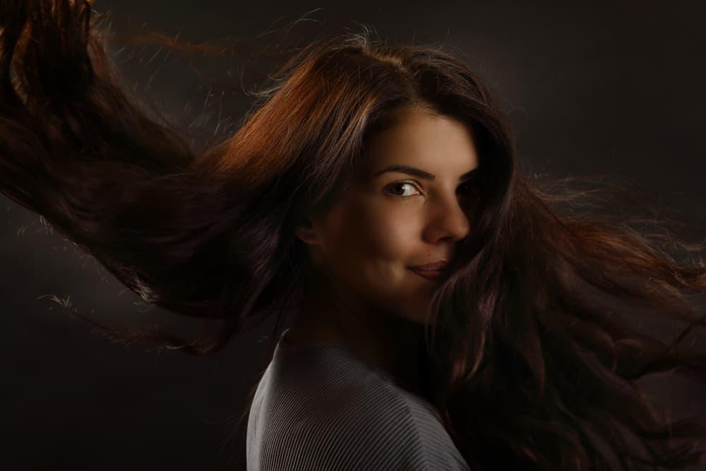 bienfaits-henné-cheveux-soin-capillaire-coloration-vegetale-personnalisee