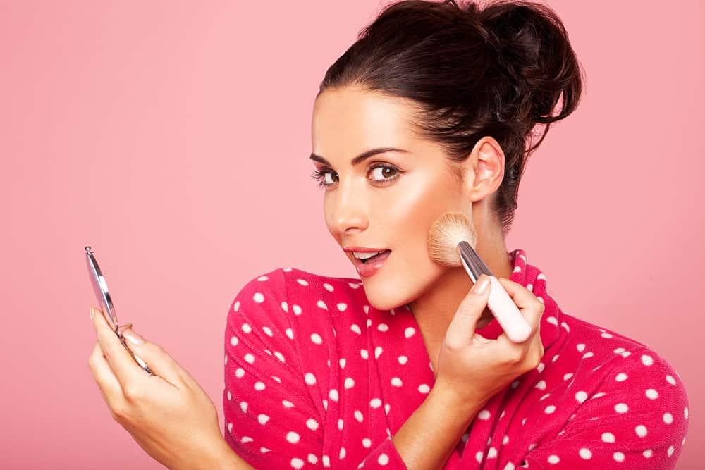 choisir-blush-maquillage-bonne-mine-conseils