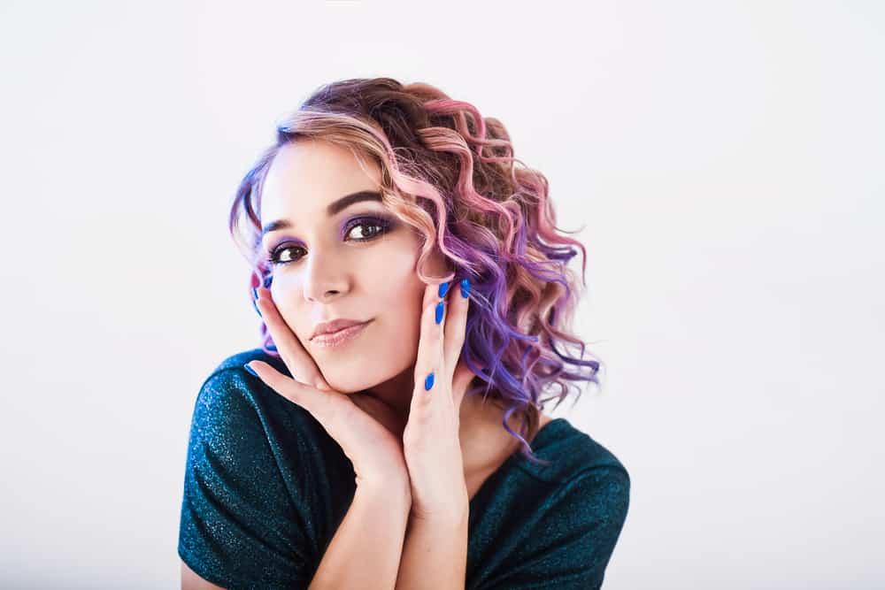 cire-colorante-cheveux-coloration-capillaire-ephemere