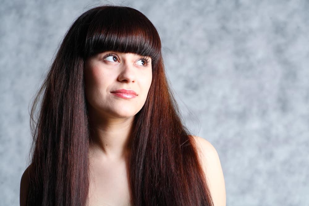 coloration-broux-cheveux-auburn-brune