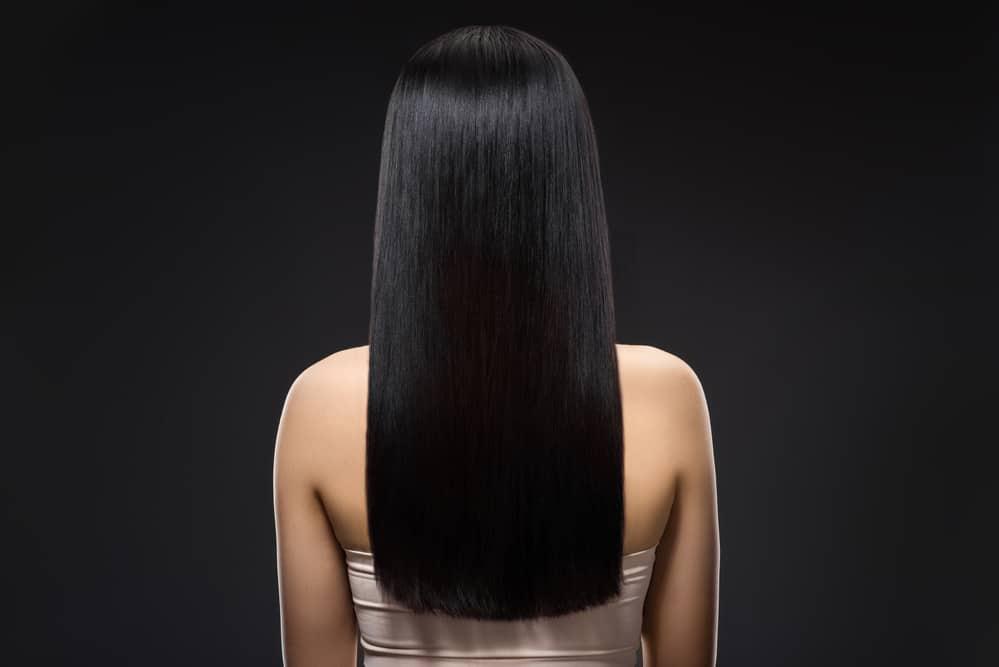 coloration-capillaire-noir-ebene-entretenir-cheveux