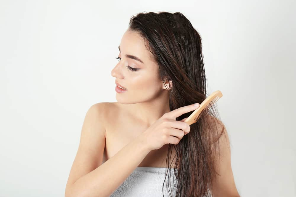 coloration-capillaire-vegetale-couvrir-cheveux-blancs-henne-entretien