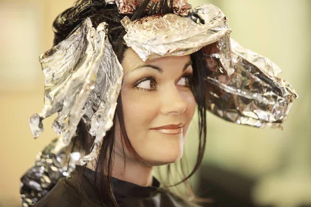 coloration-decoloration-choisir-appliquer-oxydant-cheveux