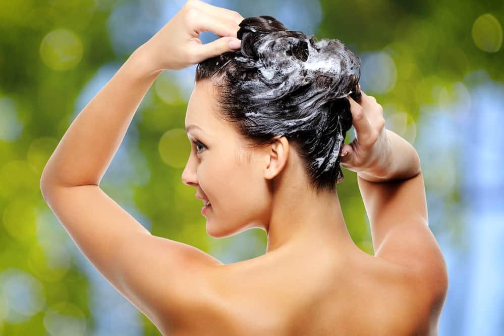 eau-oxygenee-technique-decoloration-cheveux-entretien-conseils