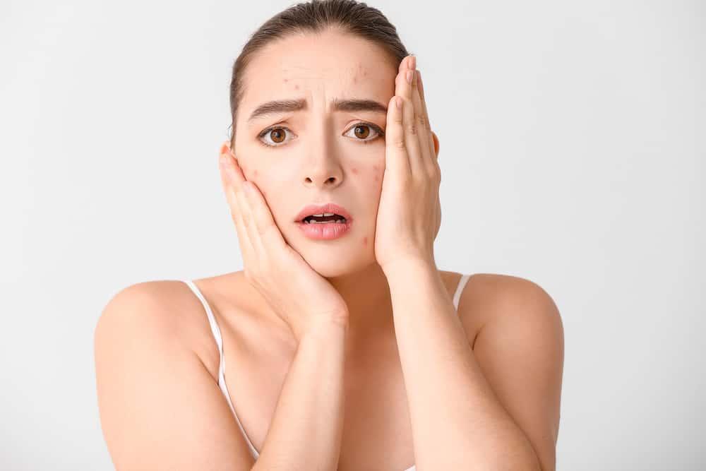 identifier-traiter-son-allergie-maquillage