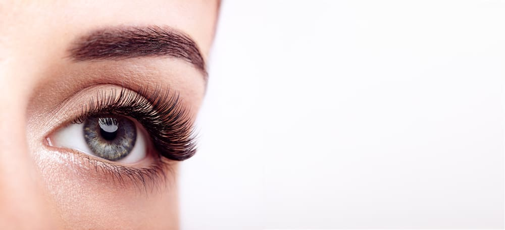 maquillage-cils-extensions-yeux-astuces