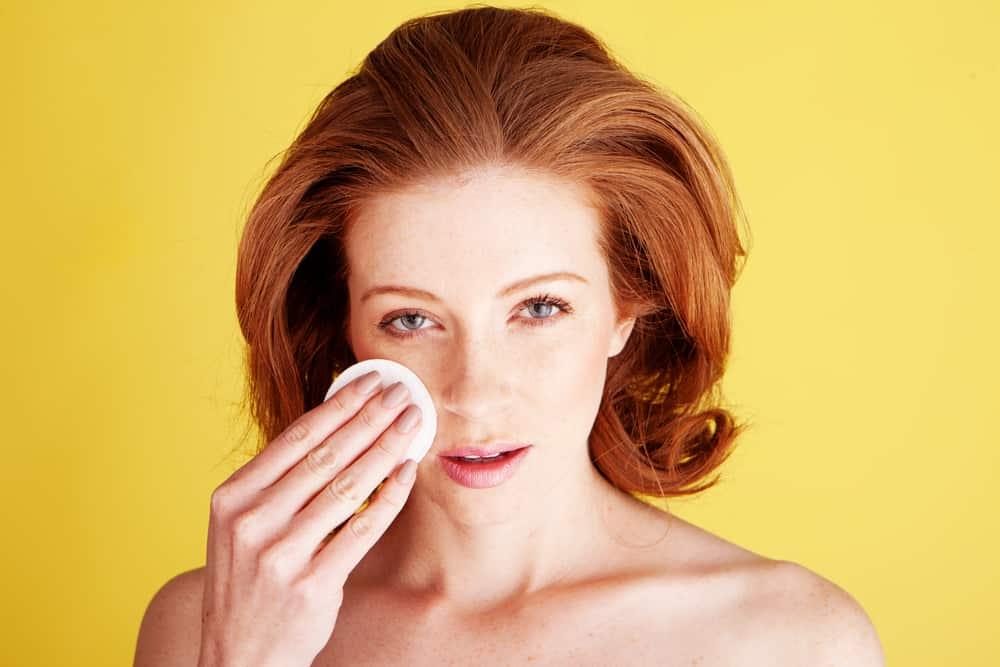 maquillage-cils-yeux-mascara-demaquillage