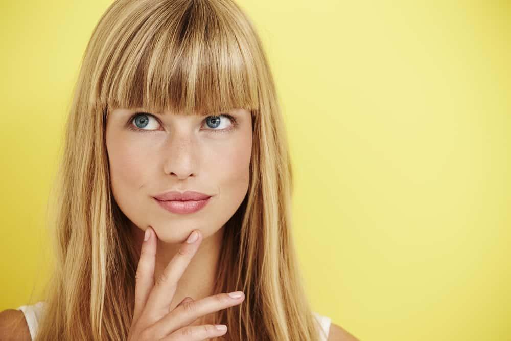 maquiller-yeux-bleus-couleur-cheveux-conseils-maquillage