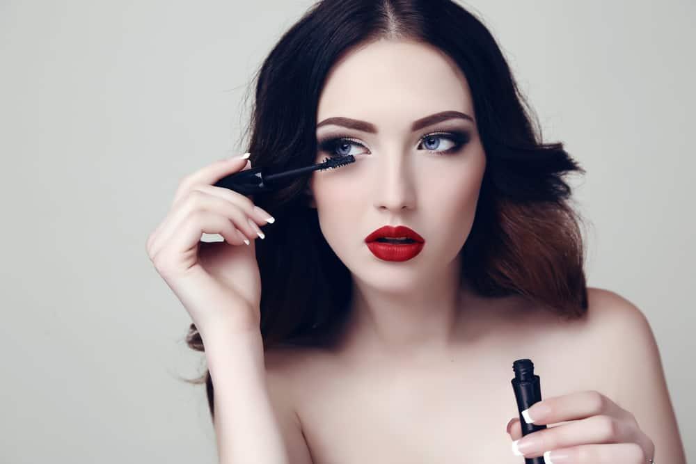 maquiller-yeux-bleus-mascara-crayons-conseils-maquillage