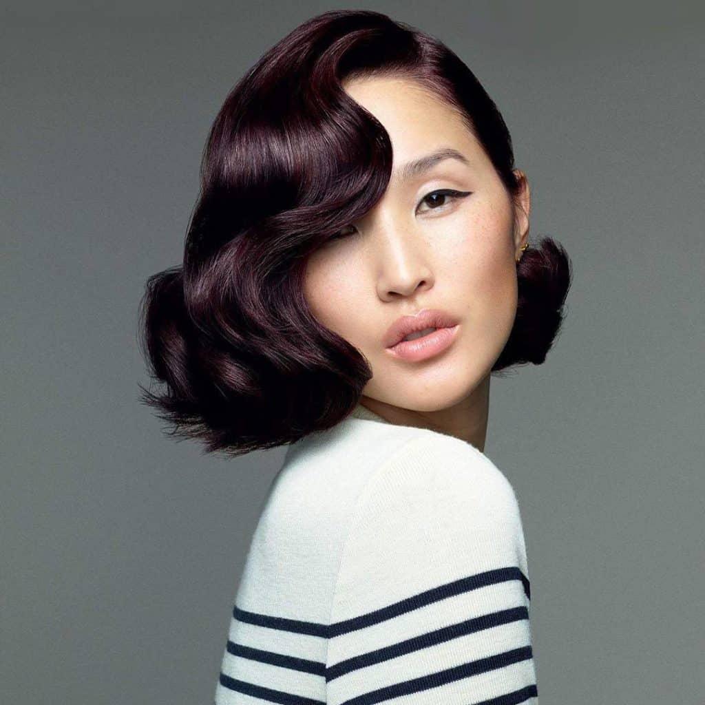coloration-capillaire-couleur-prune-cheveux-courts-coloration-permanente