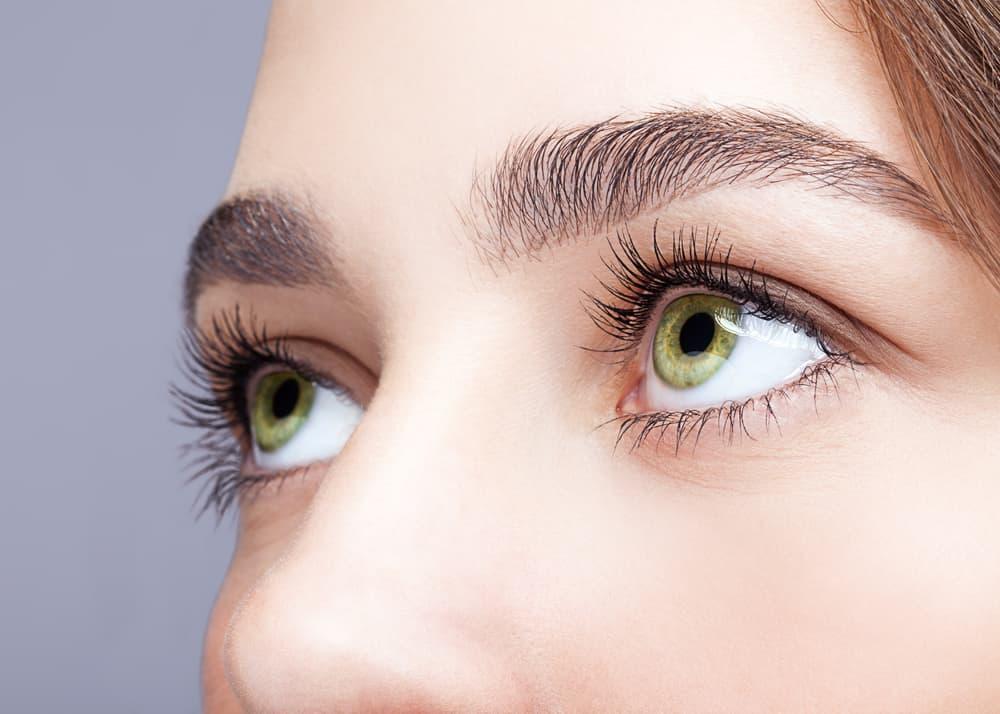 meilleurs-mascaras-effet-faux-cils-comparatif-maquillage-yeux