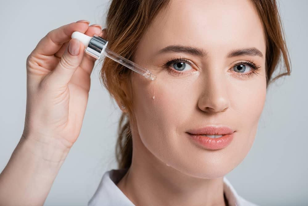 serum-visage-test-soins-cosmetiques-routine-beauté
